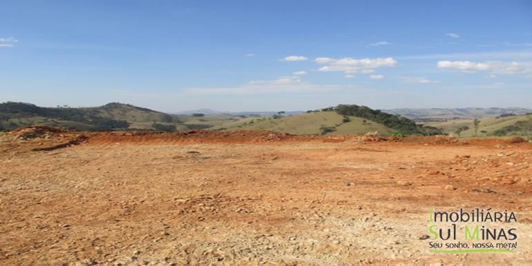 Terreno de 60.000 m² em Estiva Cod 847 (8)